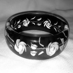 Black & White Craved Acrylic Bracelet